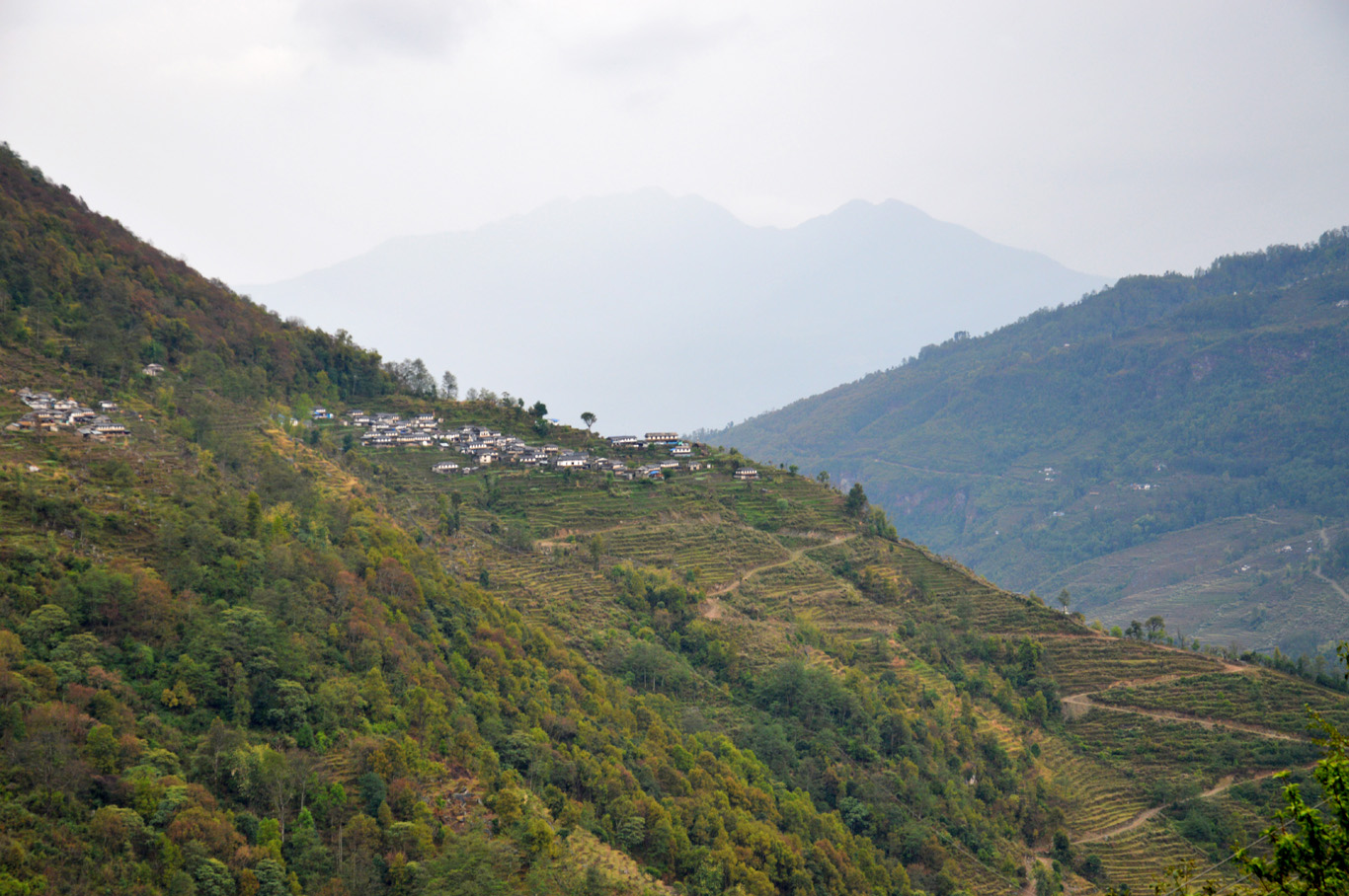 Villages and hills seen from the trail to Ulleri