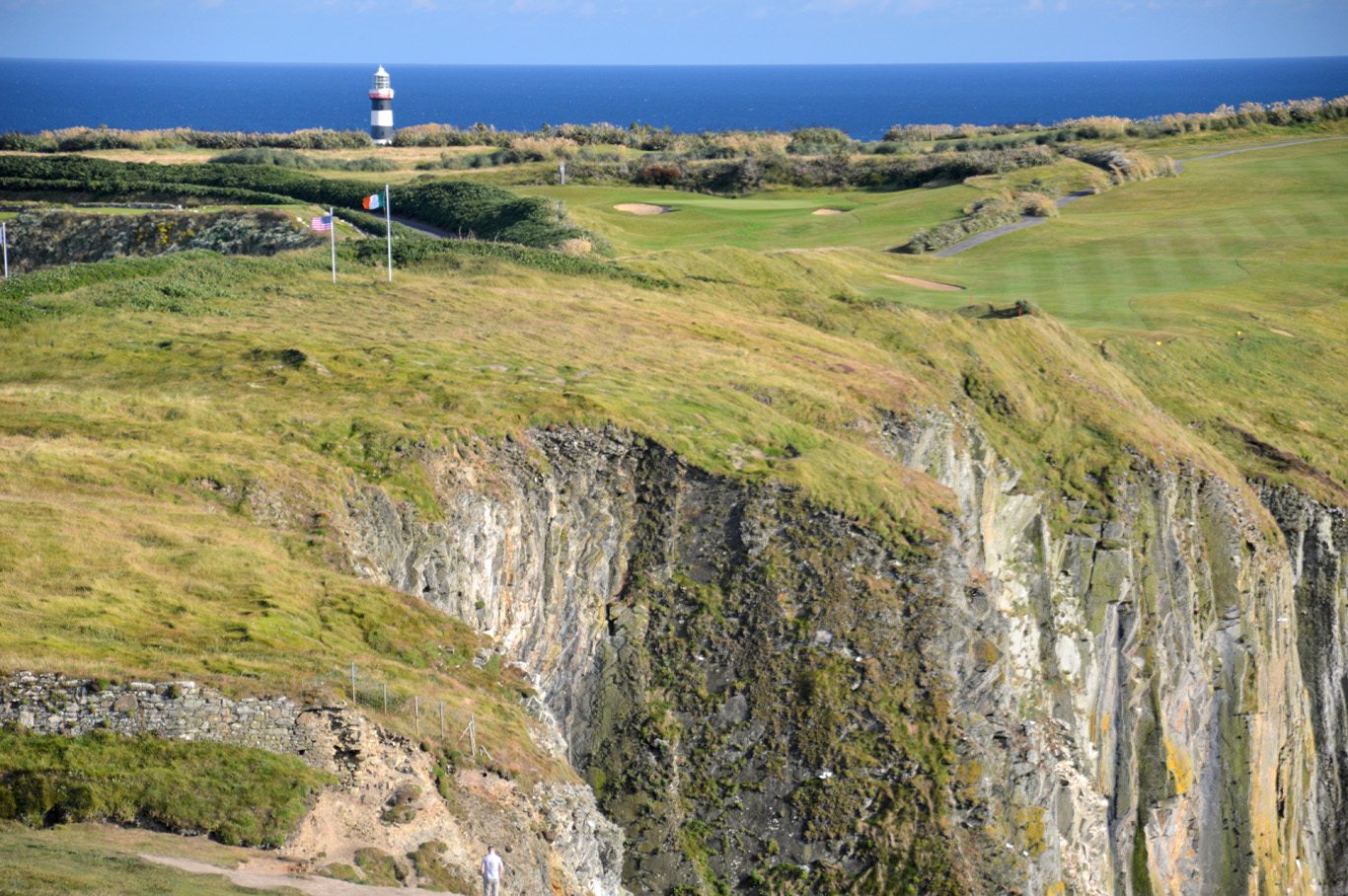 The golf course and the lighthouse