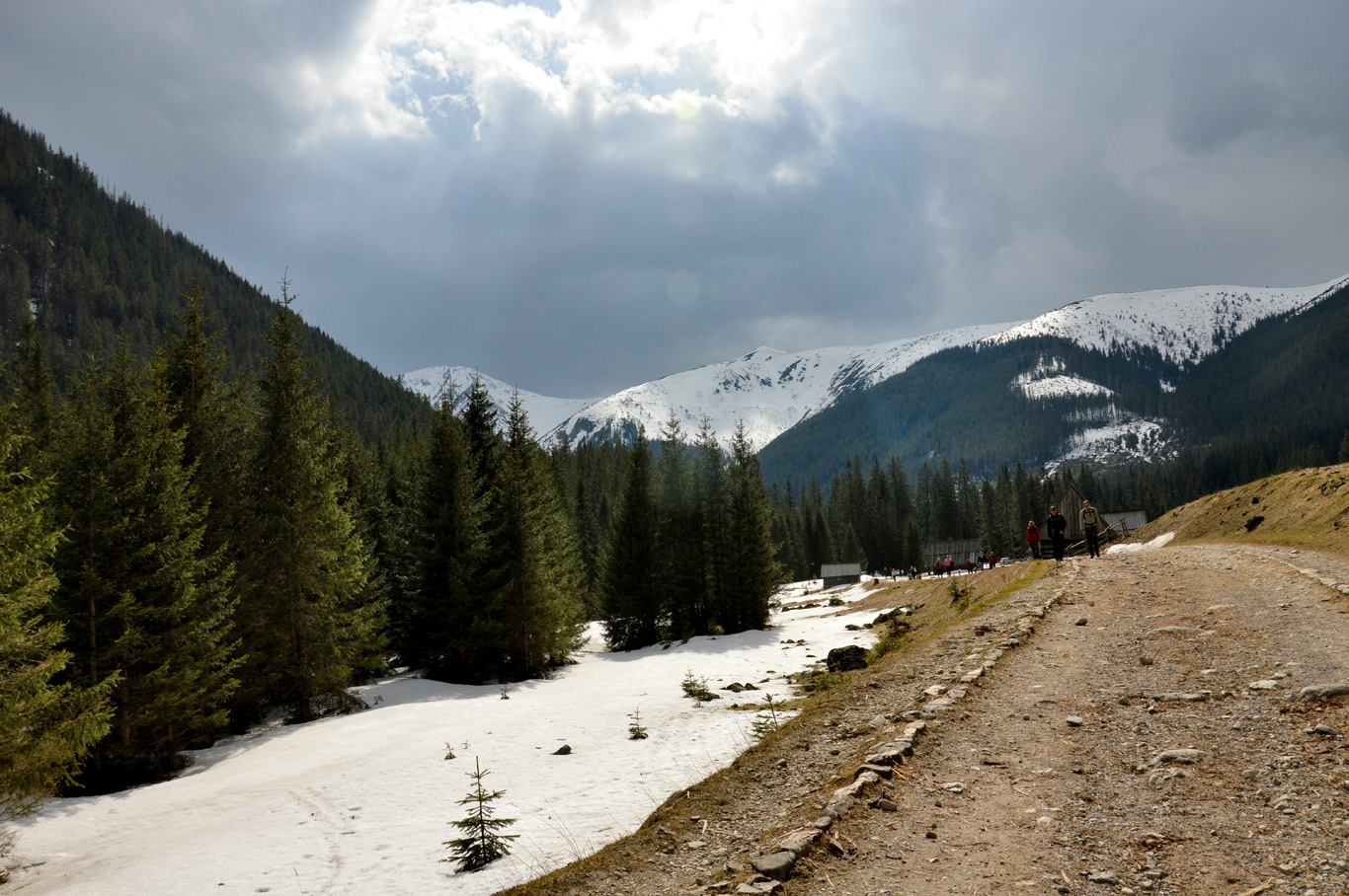Dolina Chocholowska - near the forest, there was still a lot of snow