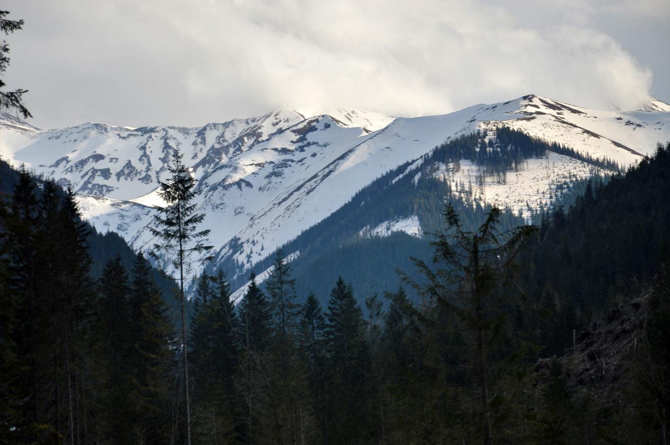 Snowy peaks around