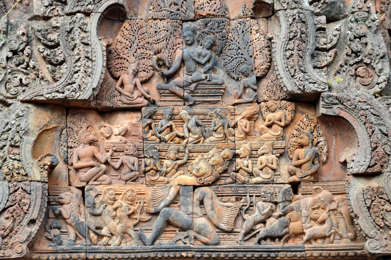 Carvings at Banteay Srei