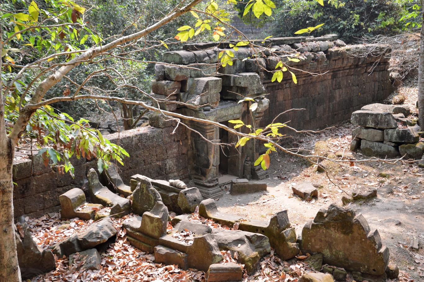 The ruins of the walls of Angkor Thom