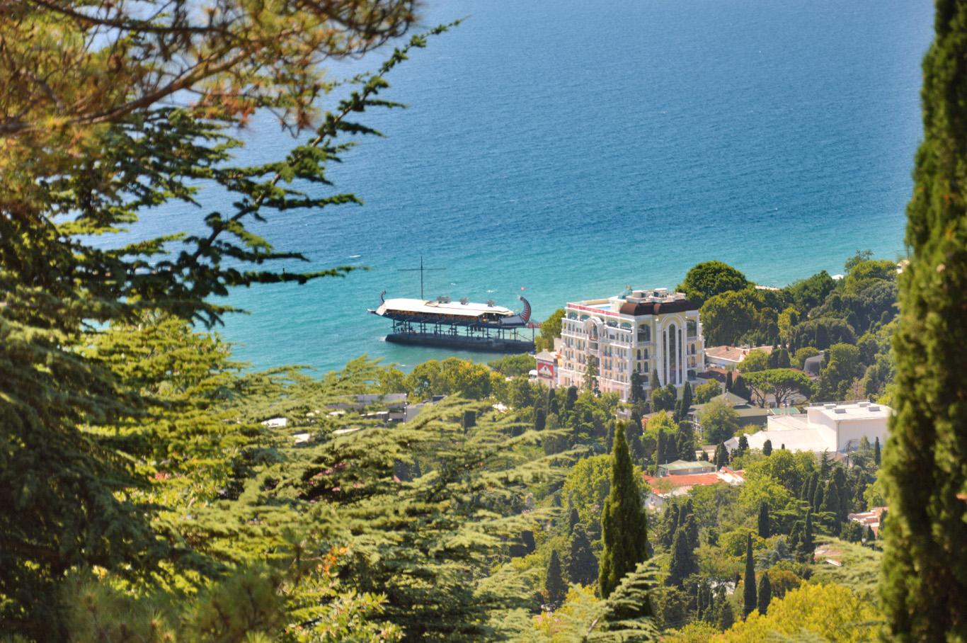 Black sea and the ship-restaurant