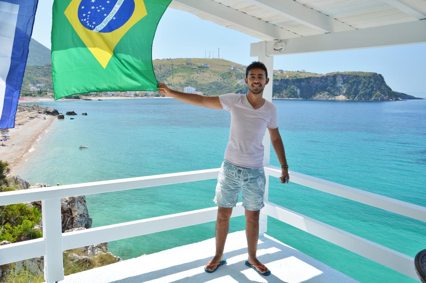 """""""Brazilian"""" pub in Himare"""