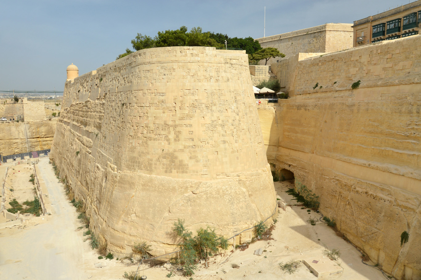Defensive walls at the entrance to the old part