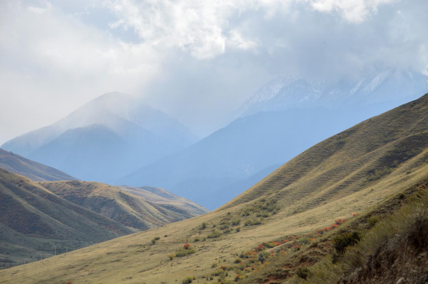 The mountains around Saty