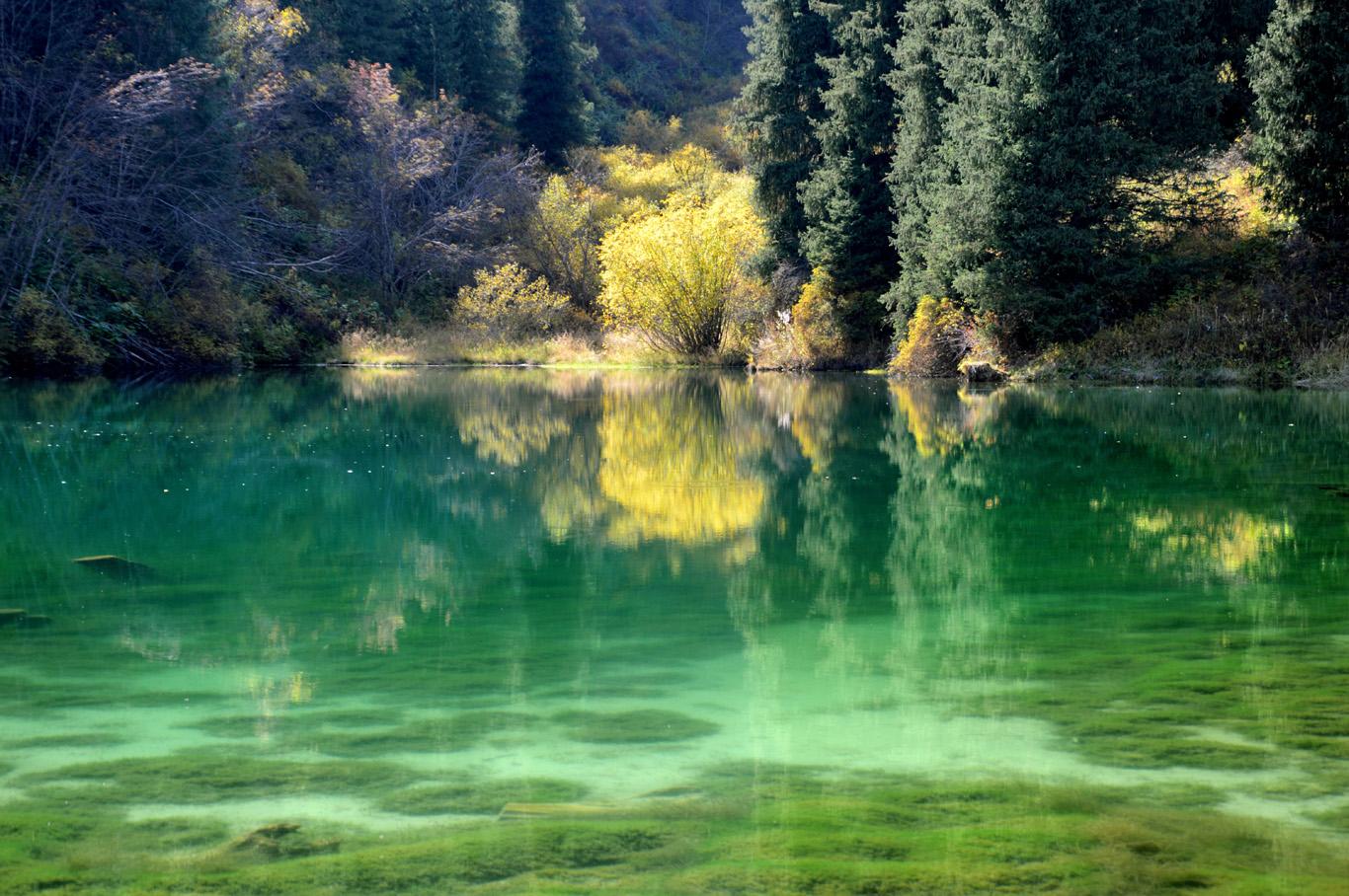 Little green lake near Kaindy
