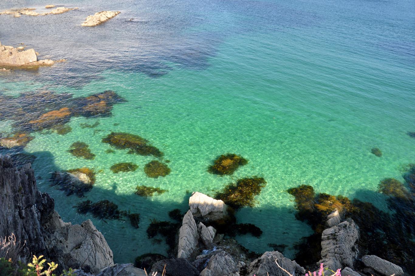 Clear sea at Abbey Island
