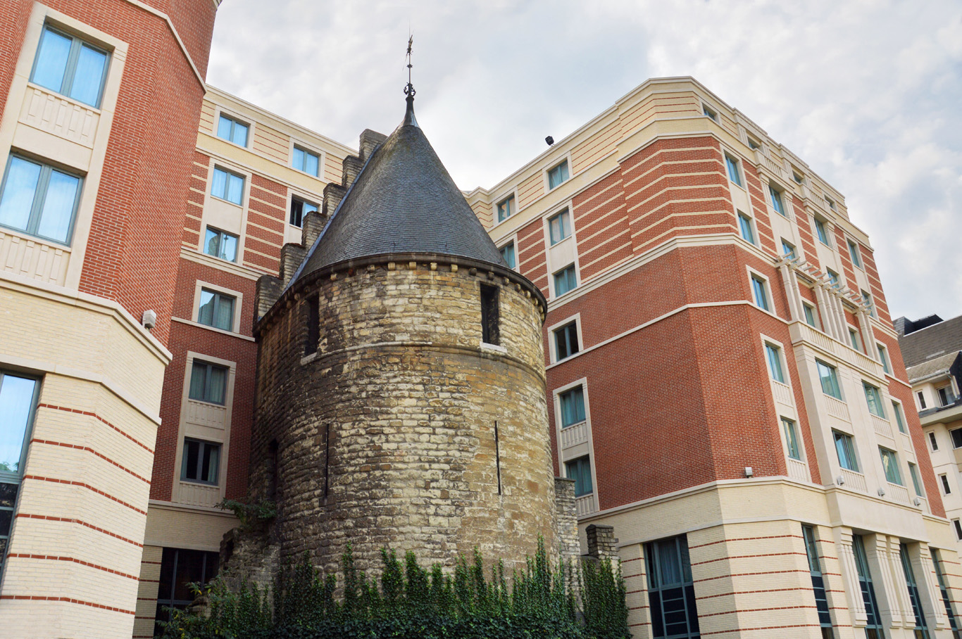 Zwarte toren (tower)