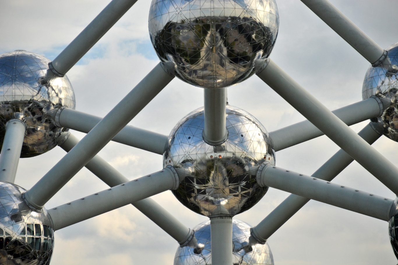 The spheres of the Atomium
