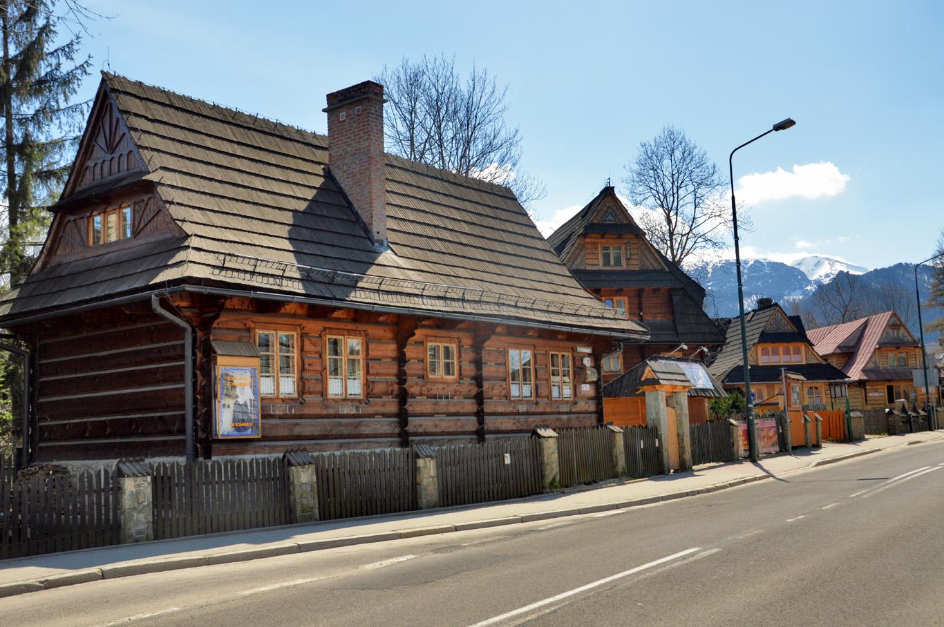 Old wooden huts - Koscieliska street