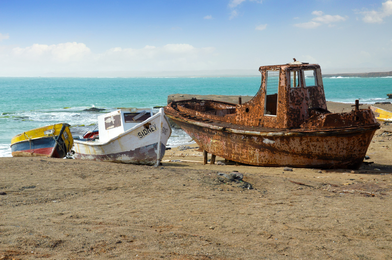 Shipwrecks near the salinas