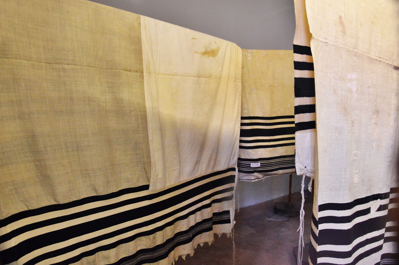 Jewish robes