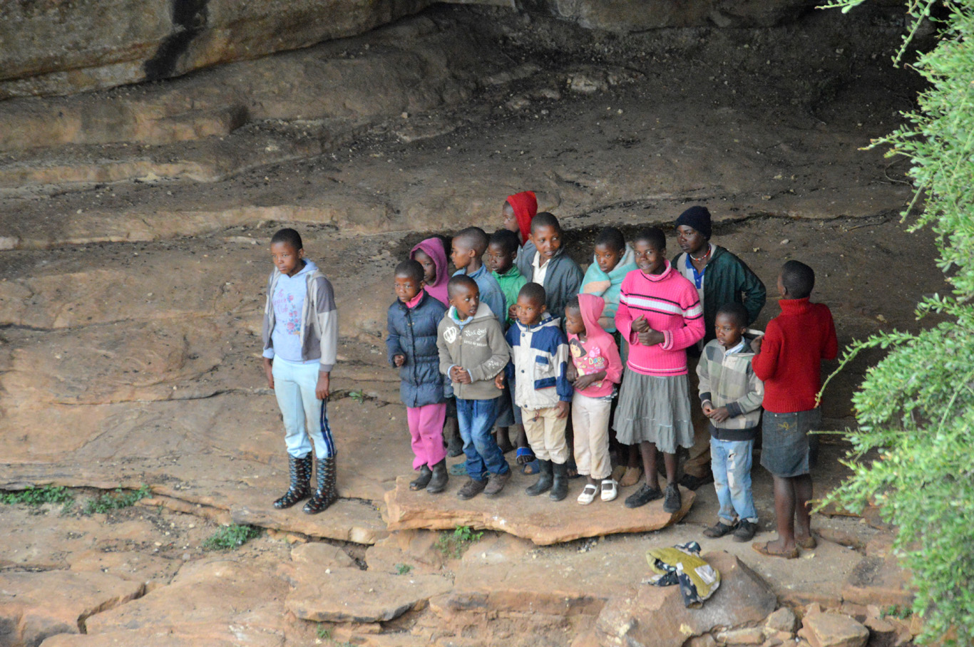 Local children singing at the canyon