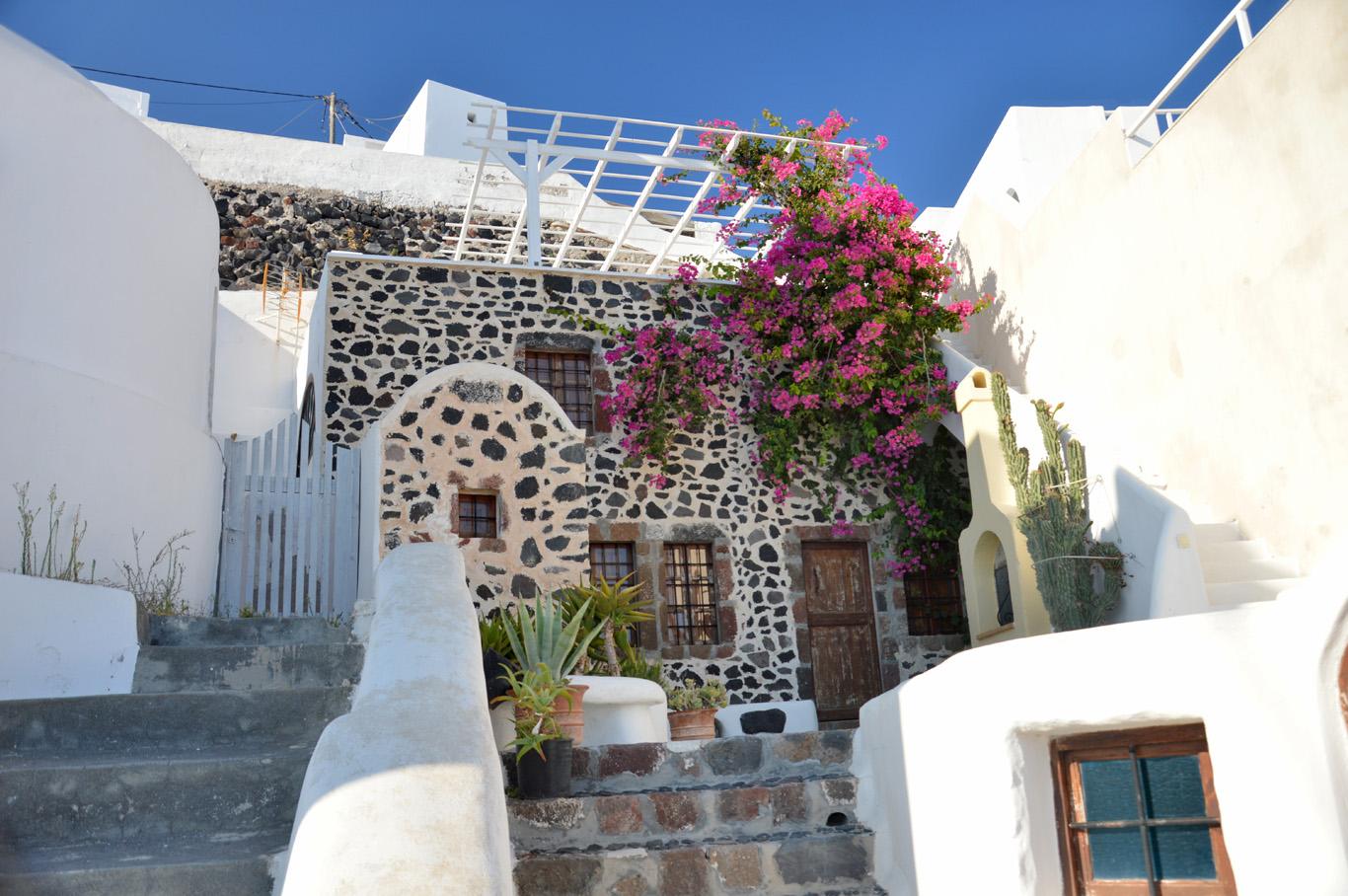 A house in Imerovigli