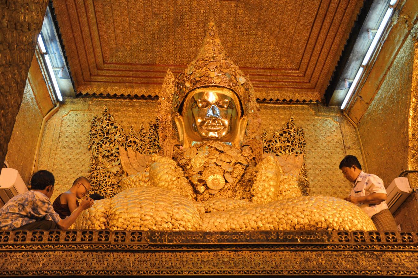 Mahamuni Buddha Statue