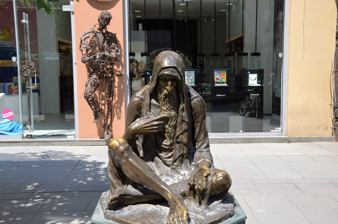 Beggar monument