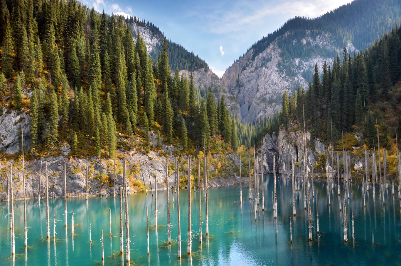 необыкновенный казахстан природа фото фоне светлых стен