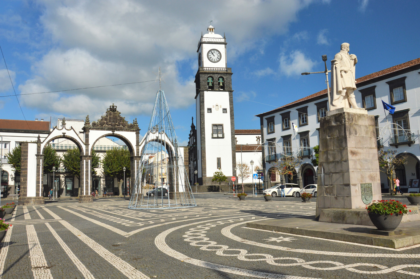 Praça de Gonçalo Velho - the City Gate and the Church of St. Sebastian