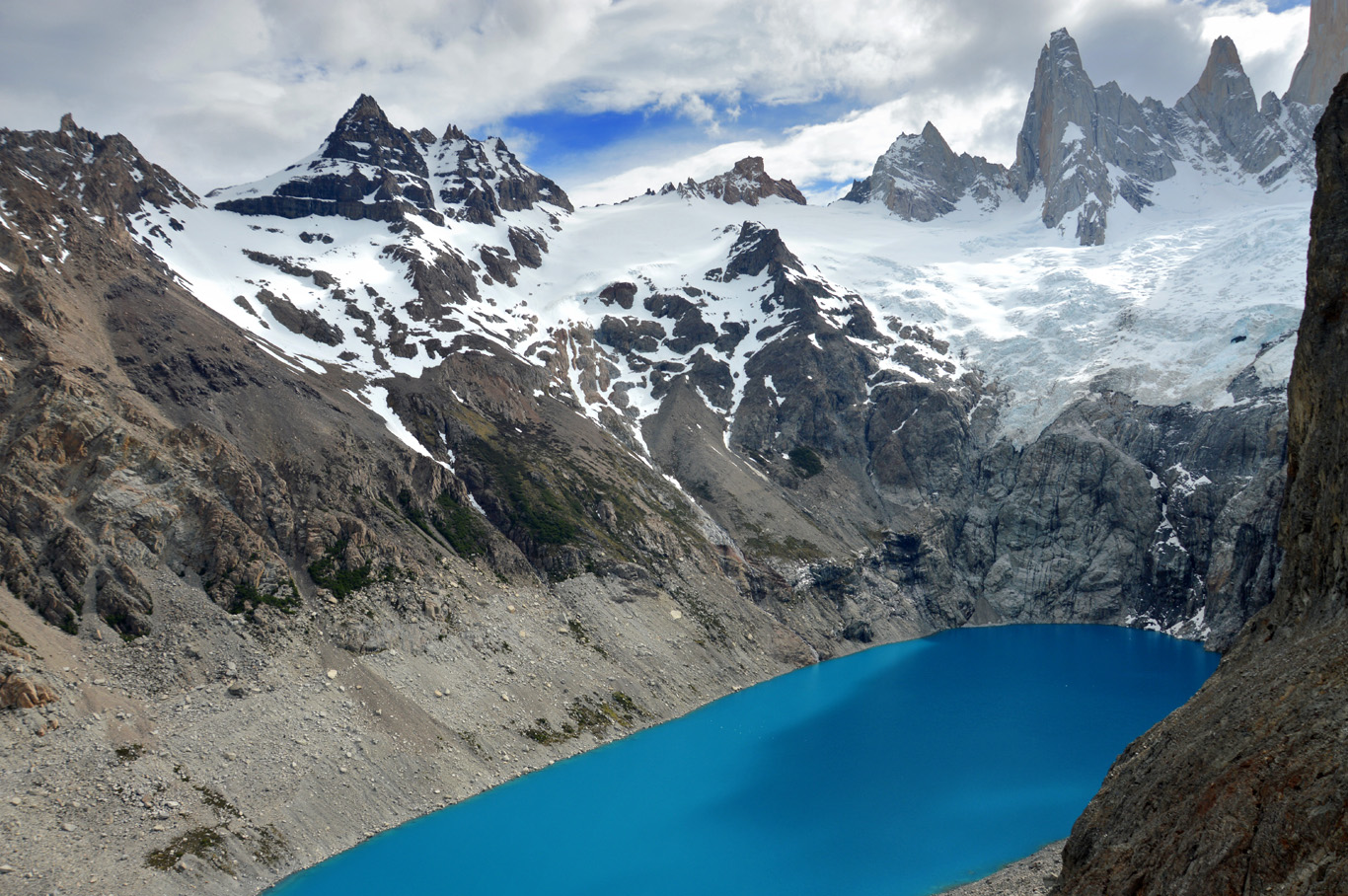 Laguna Sucia near Fitz Roy     more info