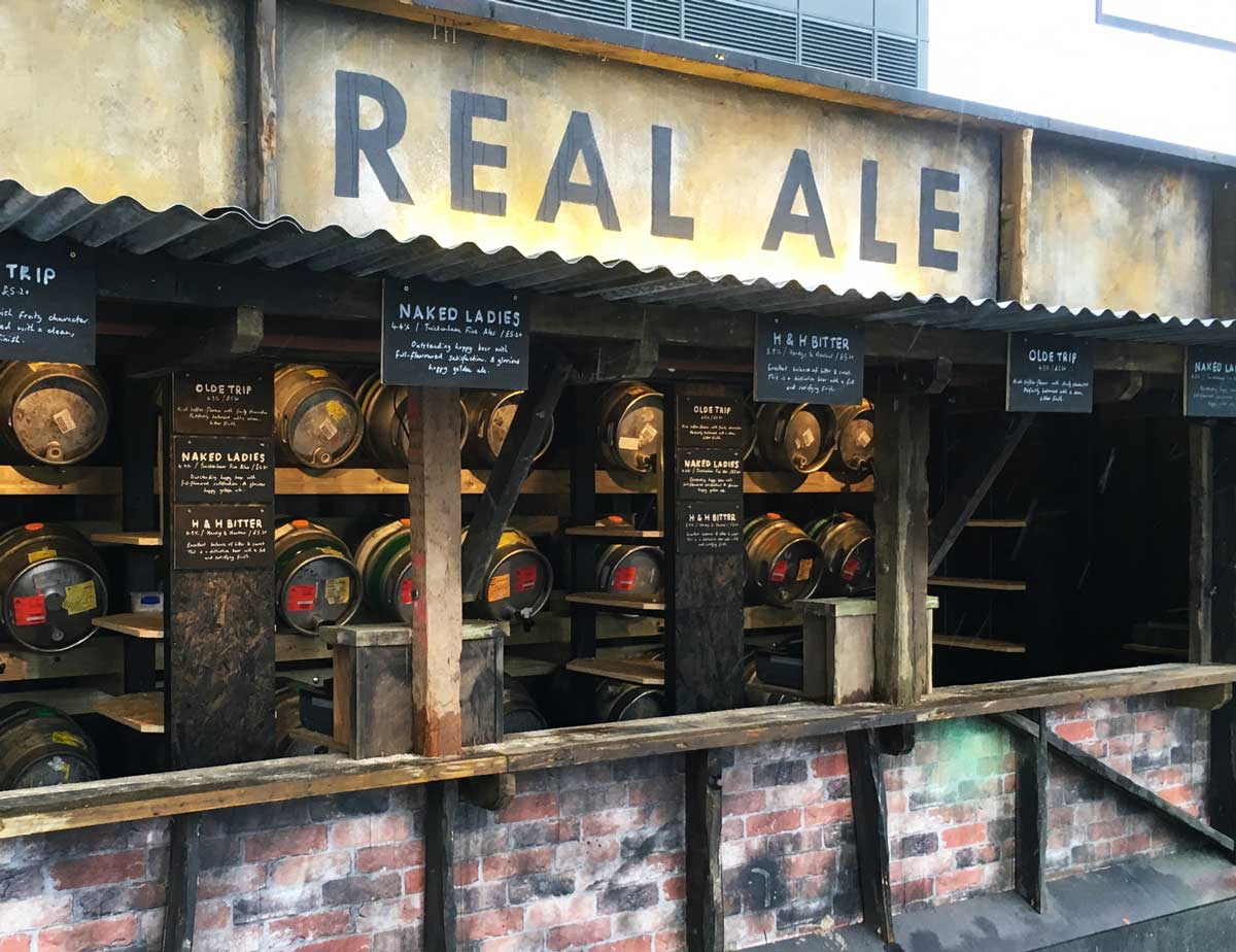 Beer served straight from the cask! What a treat... not to mention the rugby!