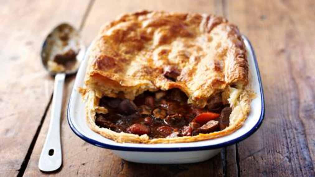 steak-ale-pie-using-blackpit-beer-to-cook.jpg