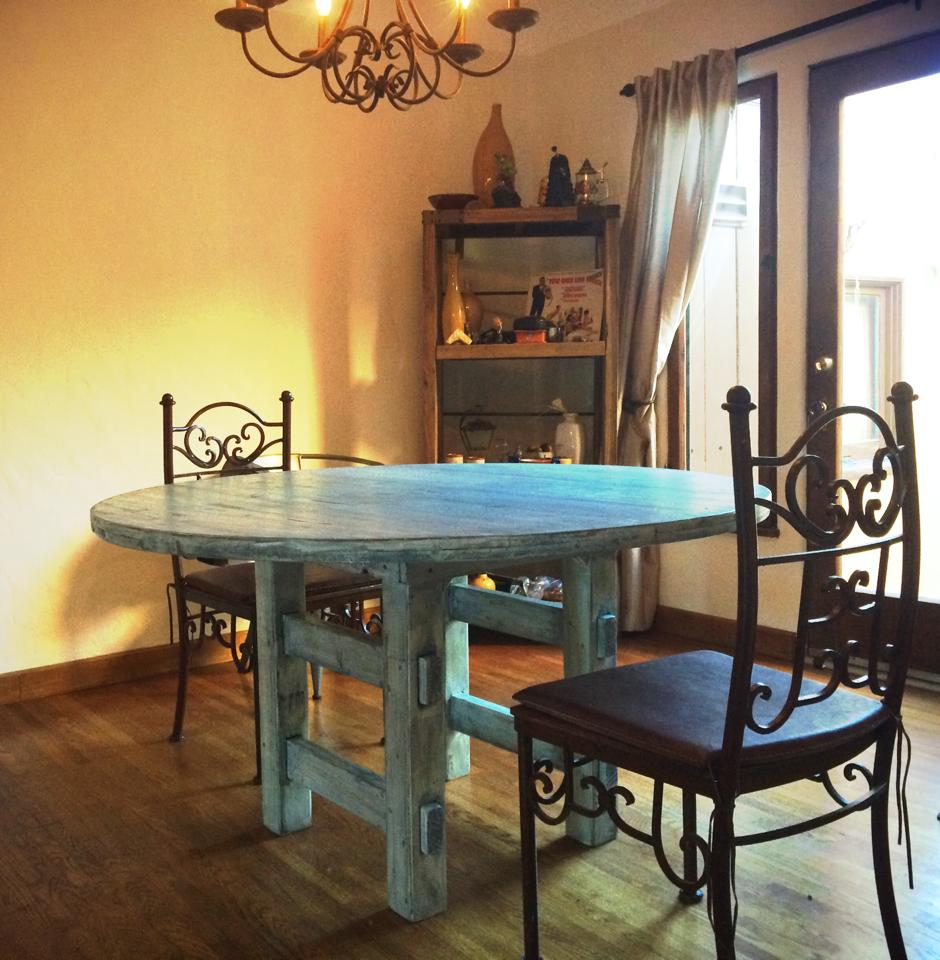 Blue Oliver Round Dining Table