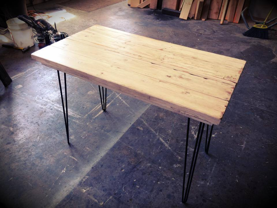 Leone Table / Desk