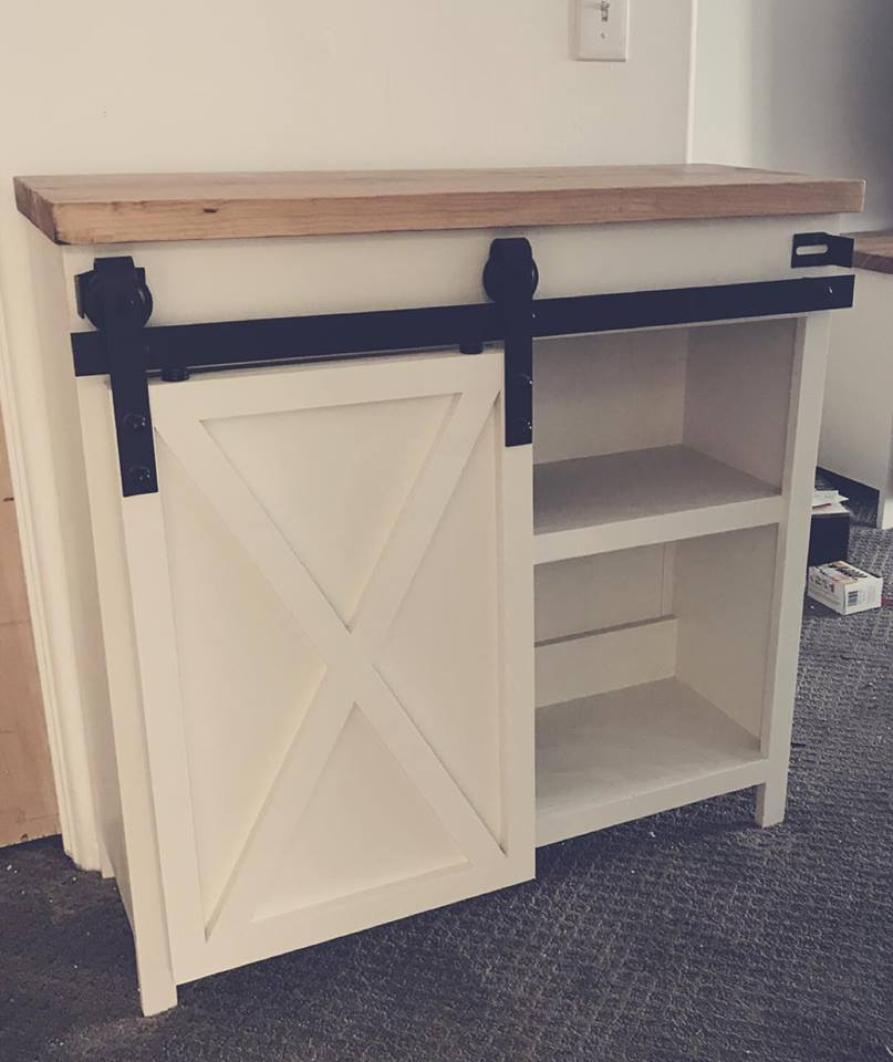 Molly Entryway Table