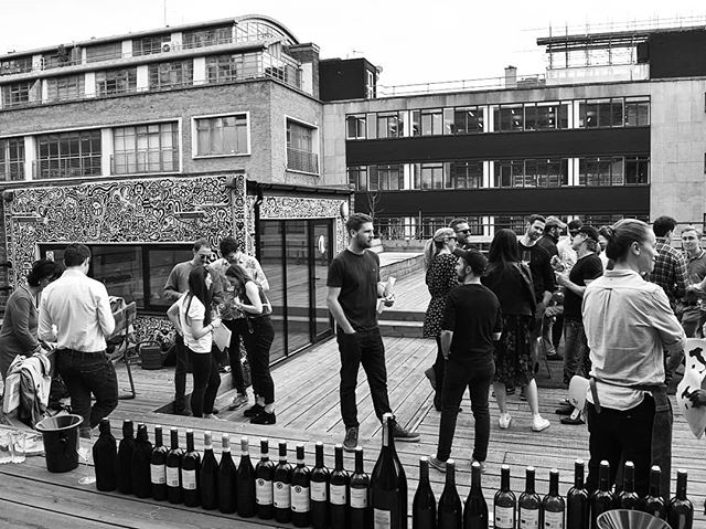 Urban e-vent . . . . .  #winedog #winedoguk #wineman #tasting #rooftop #urbanevents #degustation #finewine #wine #winetasting #winestagram #wineporn