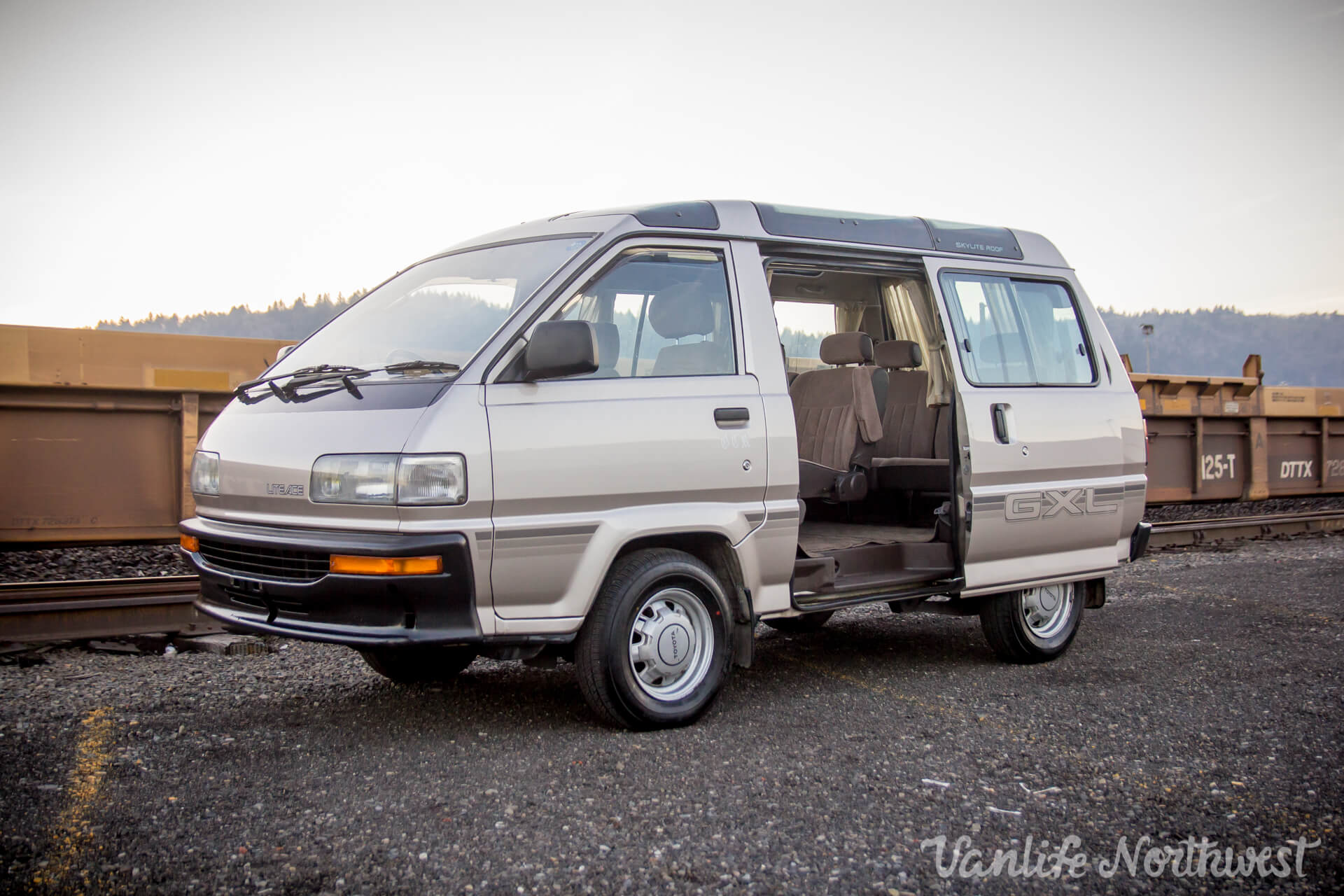 1989ToyotaLiteAce2wdGas65kGXL-11.jpg