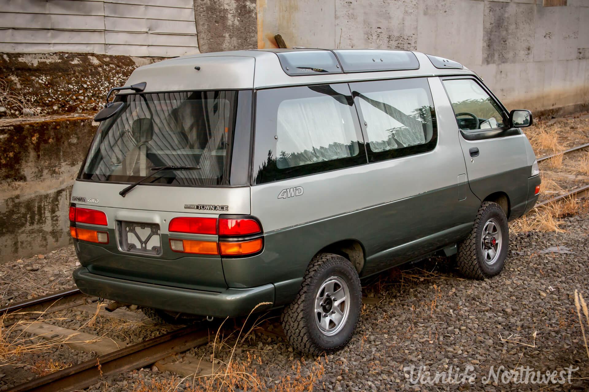 1992ToyotaTownAceCR30AutoSilverGreen-5.jpg