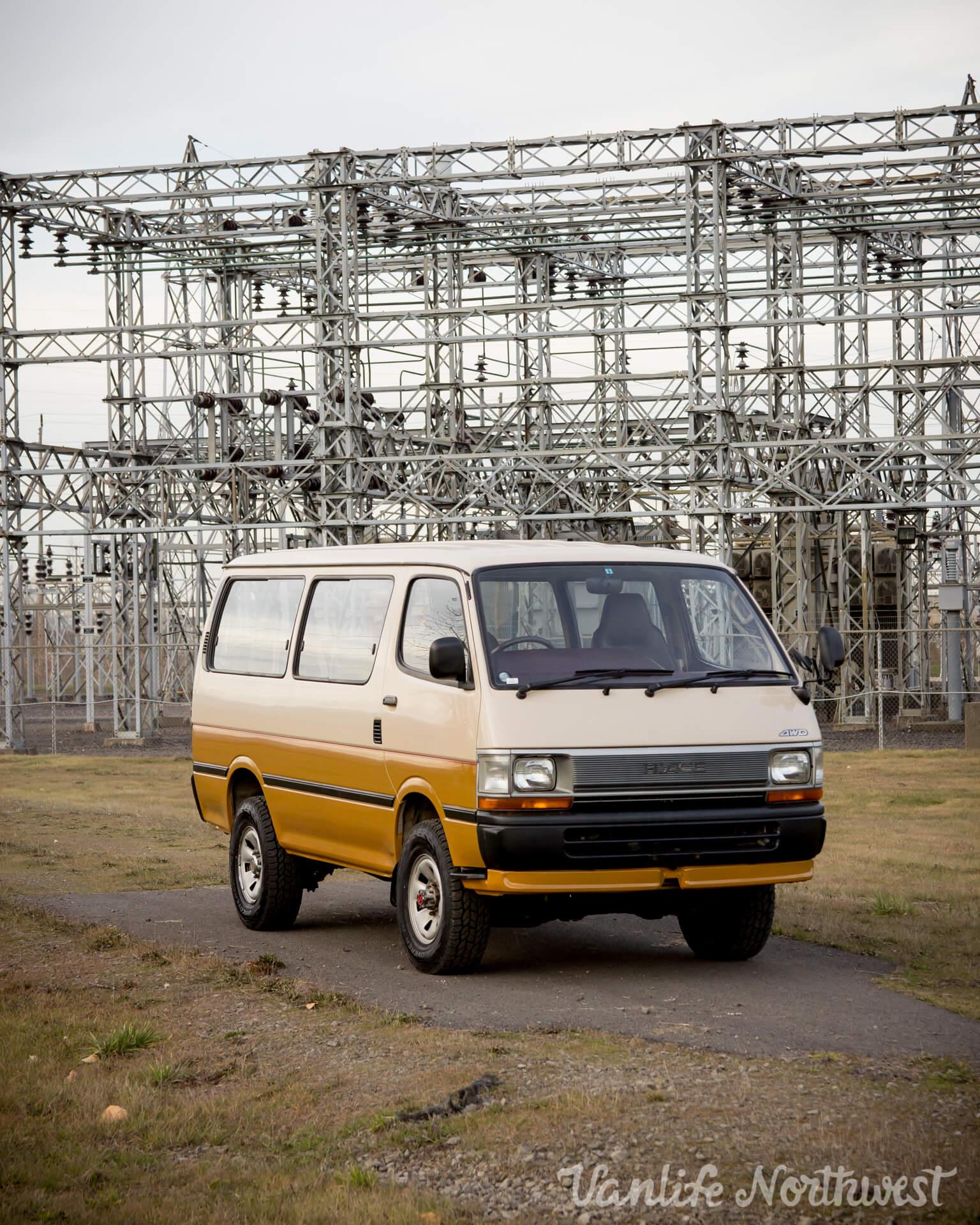 ToyotaHiaceLH117Aric-5.jpg
