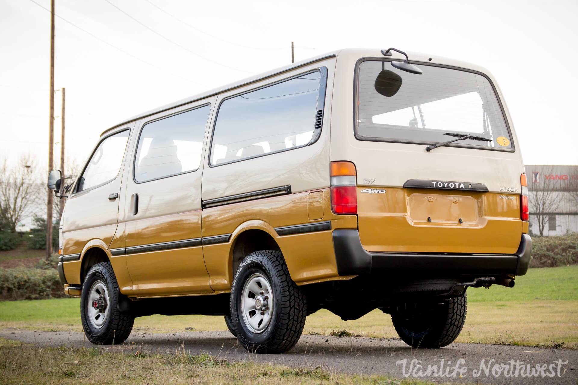 ToyotaHiaceLH117Aric-11.jpg