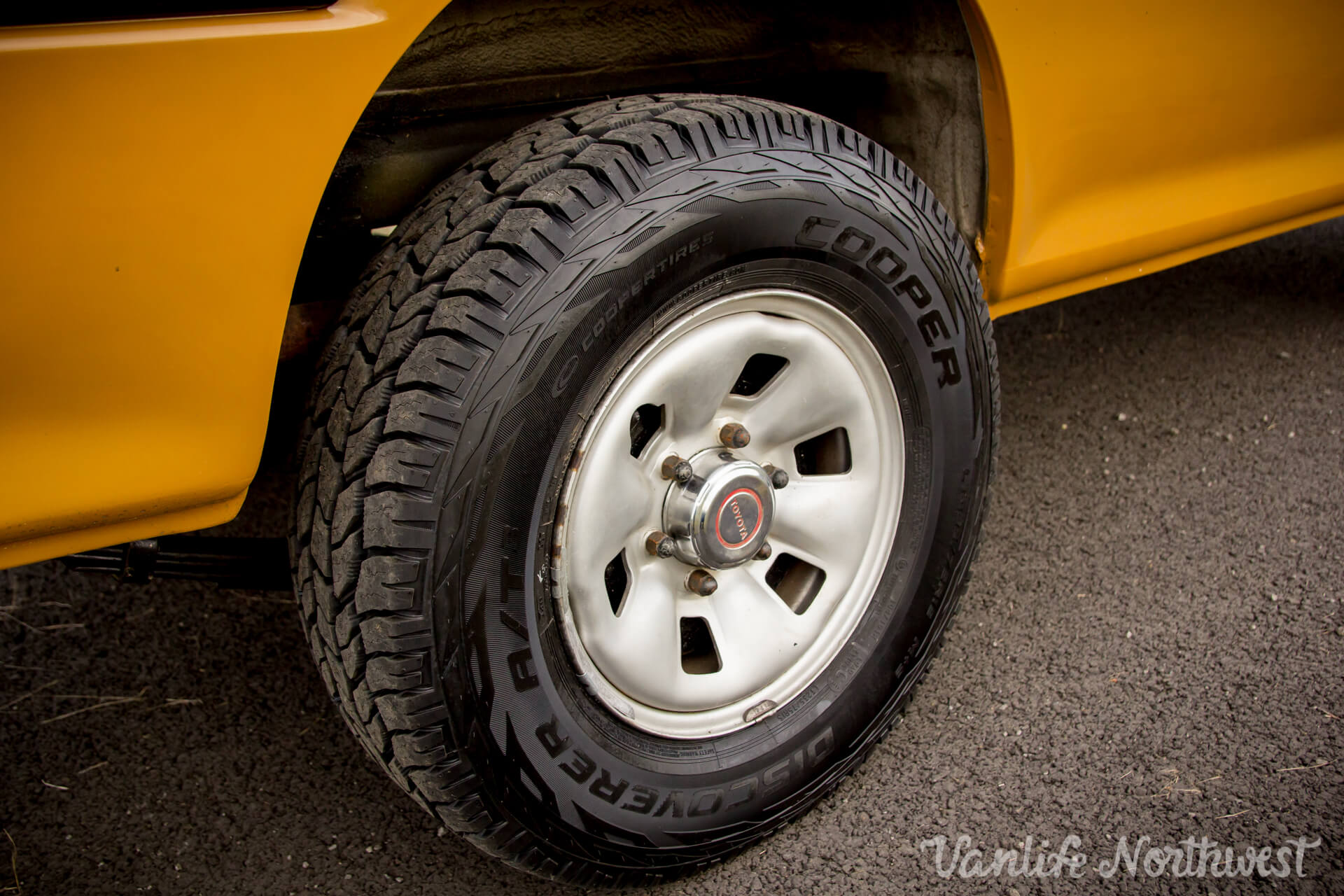 ToyotaHiaceLH117Aric-12.jpg