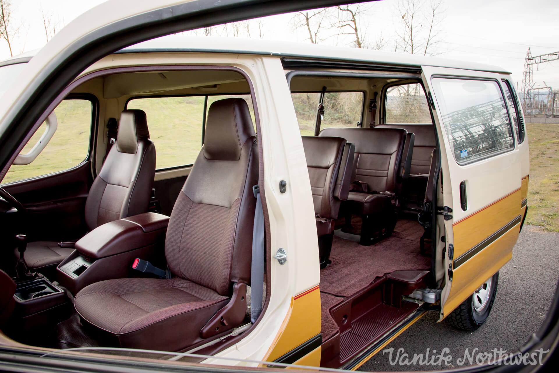 ToyotaHiaceLH117Aric-19.jpg
