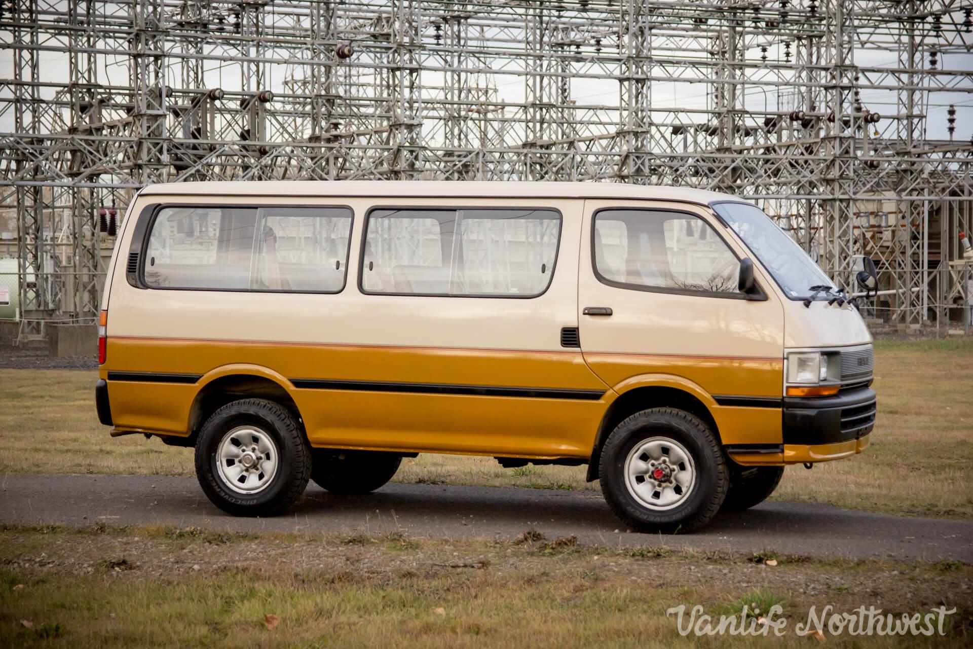 ToyotaHiaceLH117Aric-26.jpg