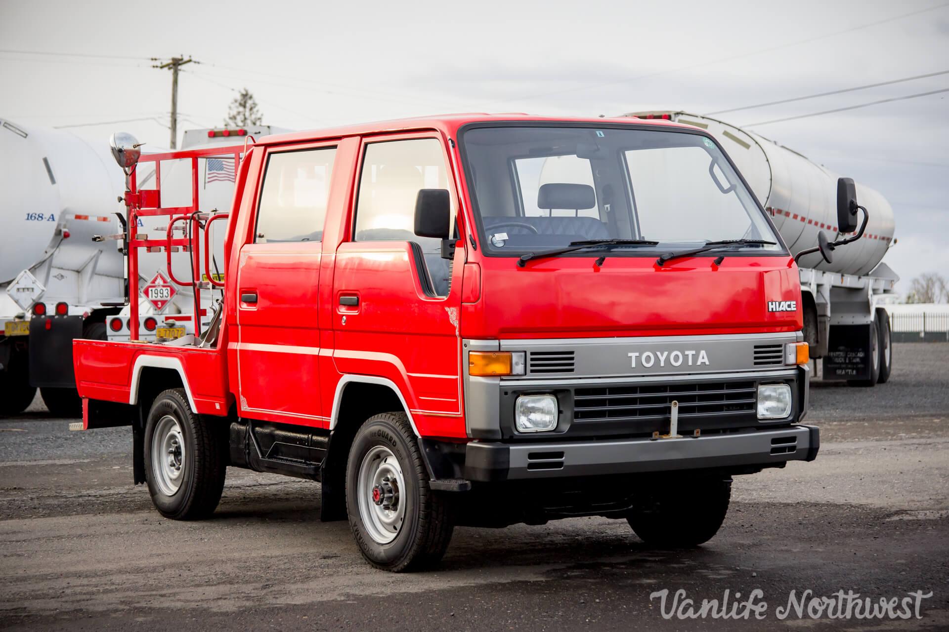 ToyotaHiaceFireTruckLH851990-6.jpg