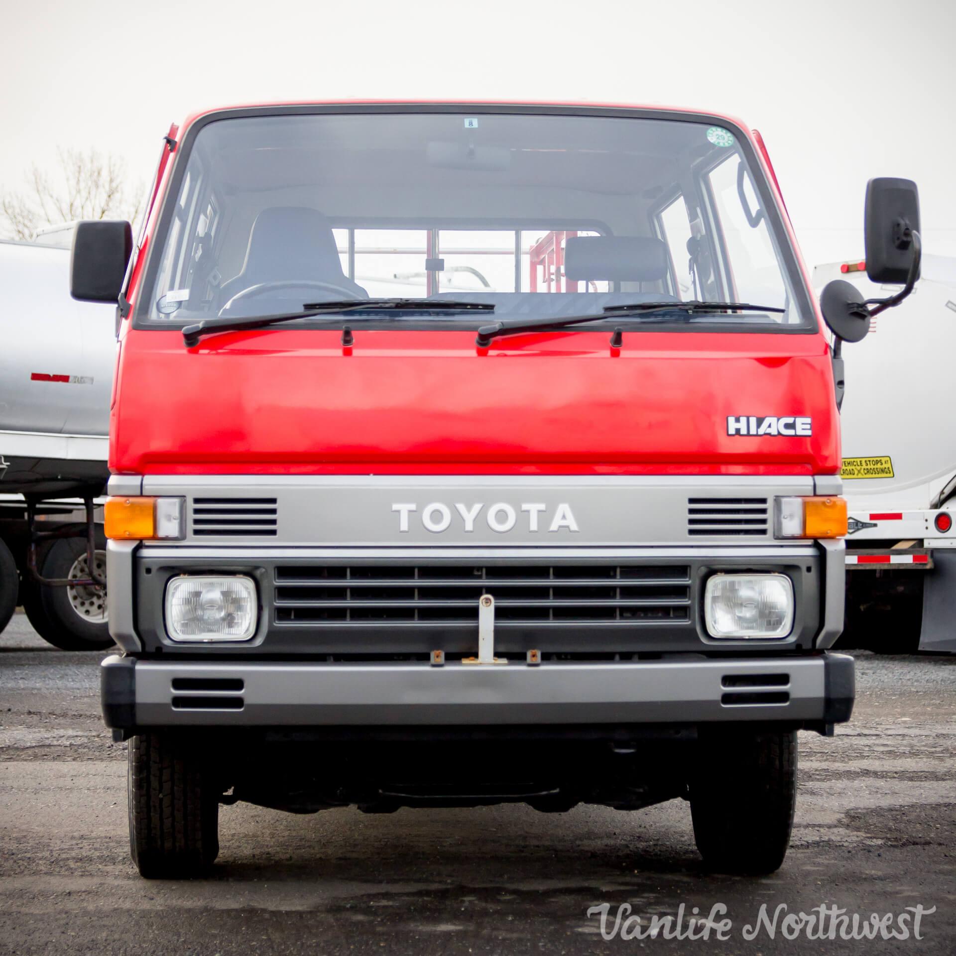ToyotaHiaceFireTruckLH851990-7.jpg