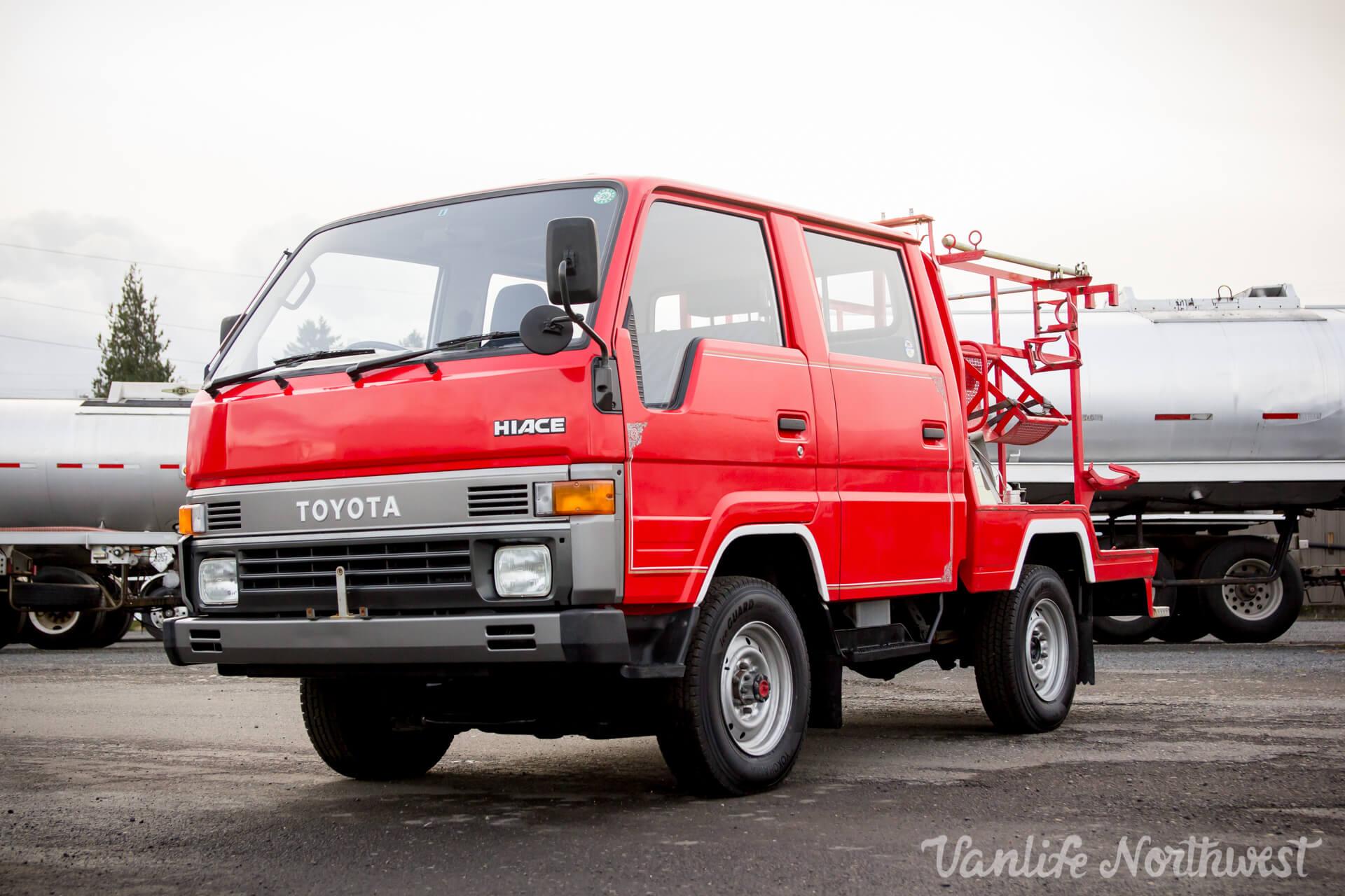 ToyotaHiaceFireTruckLH851990-8.jpg