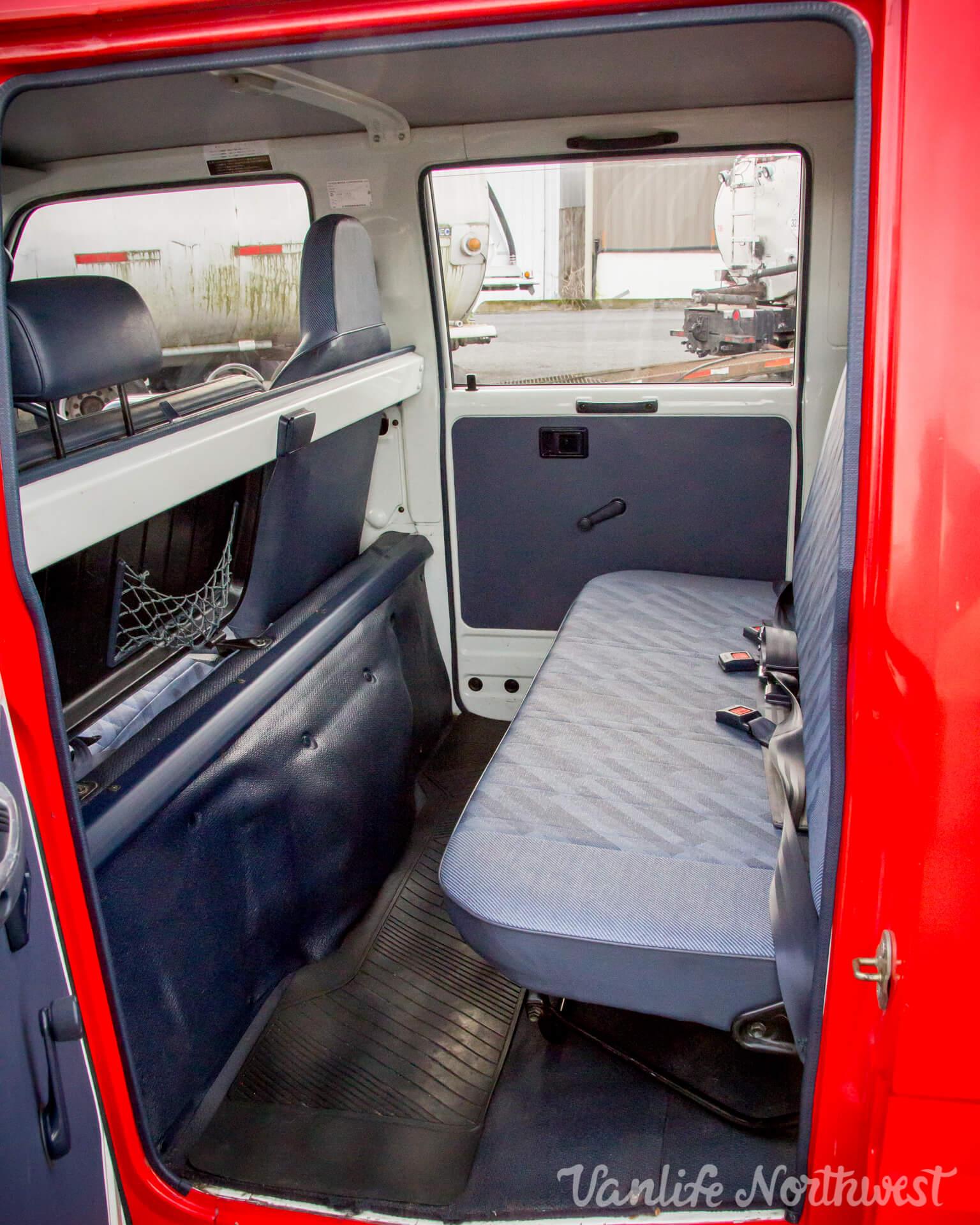 ToyotaHiaceFireTruckLH851990-26.jpg