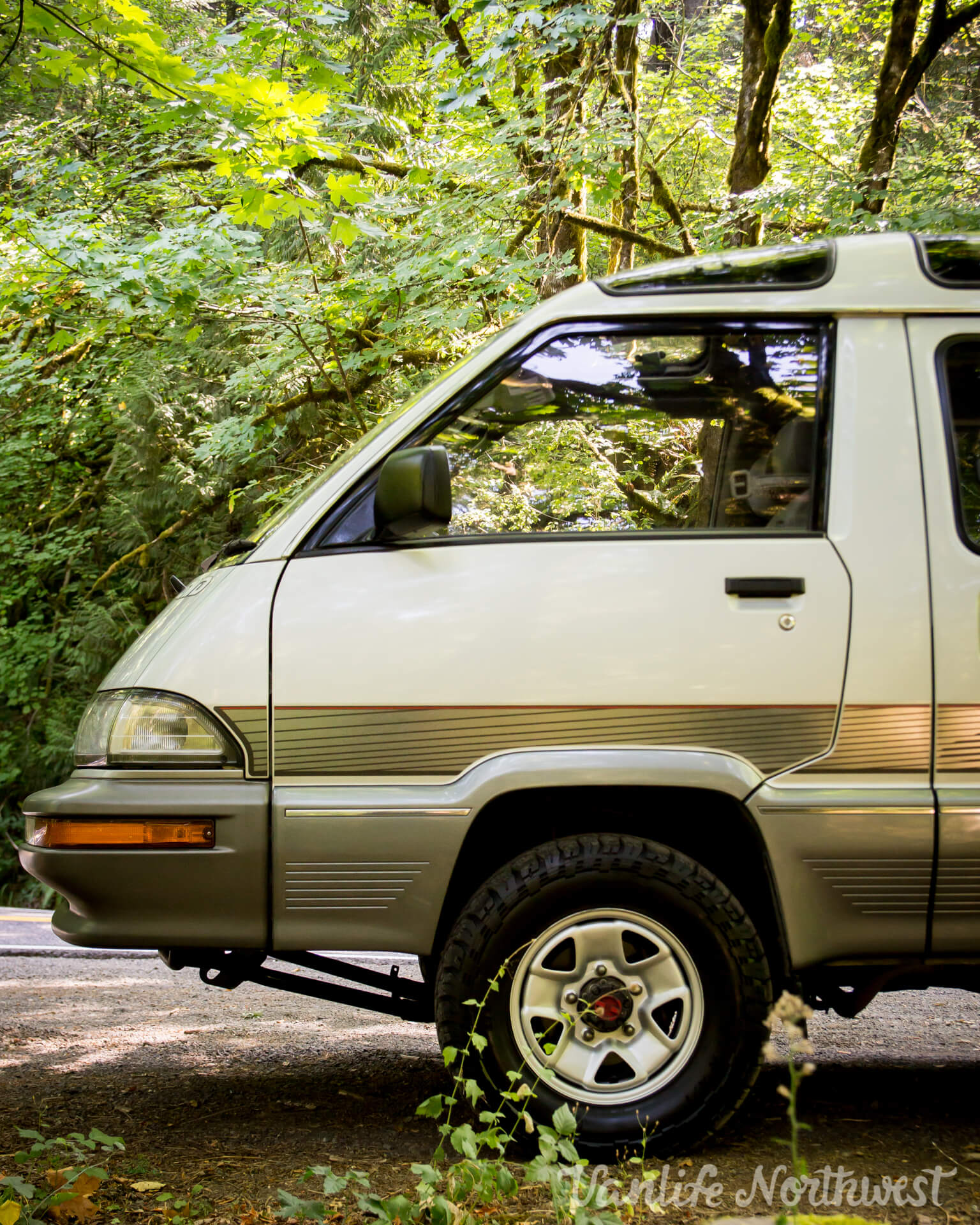 ToyotaCR30SilverRick-10.jpg