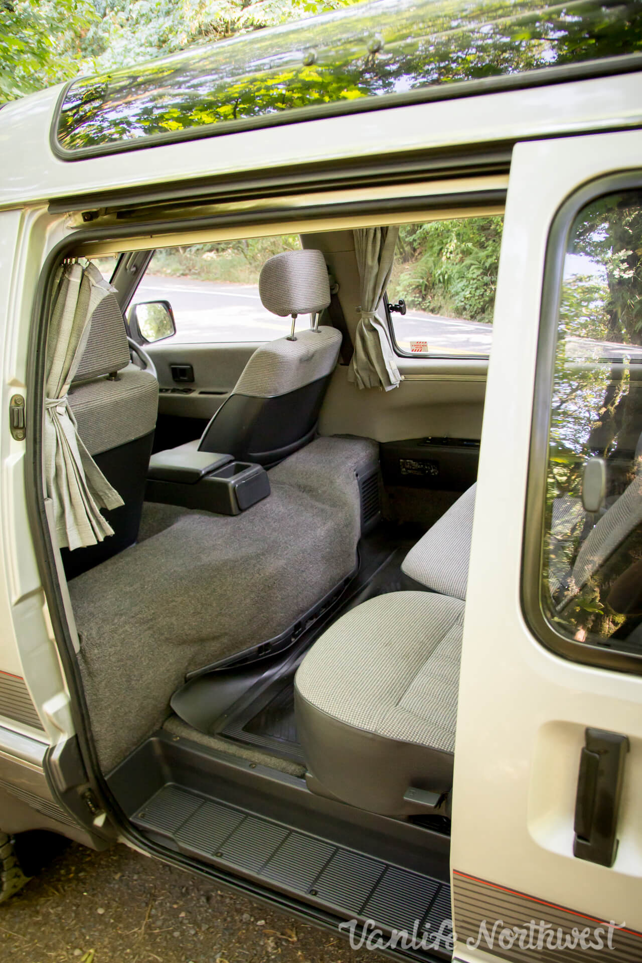 ToyotaCR30SilverRick-22.jpg