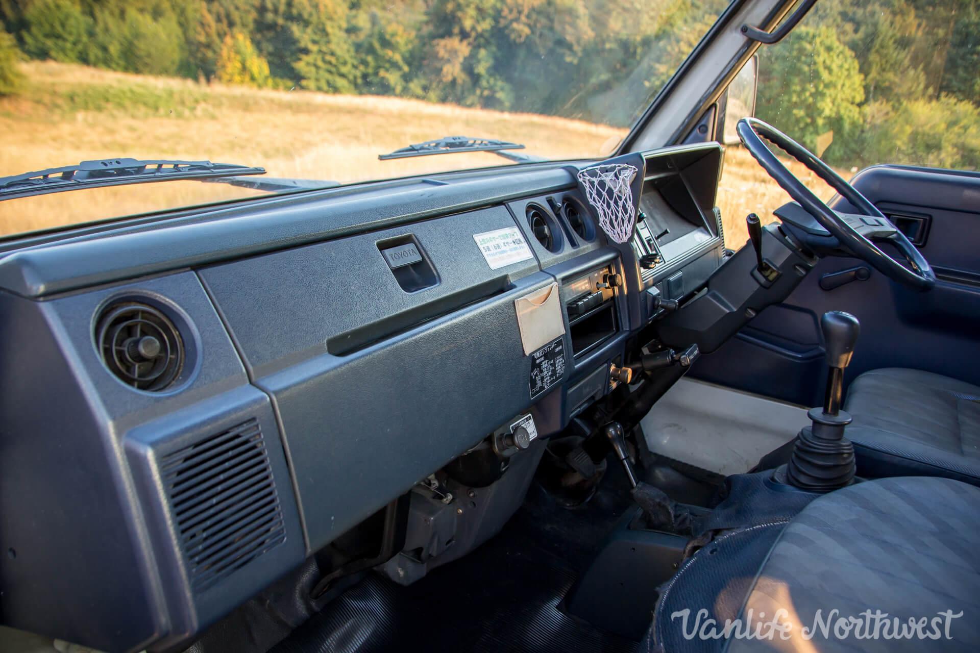 ToyotaHiaceLH85WhiteJosh-20.jpg