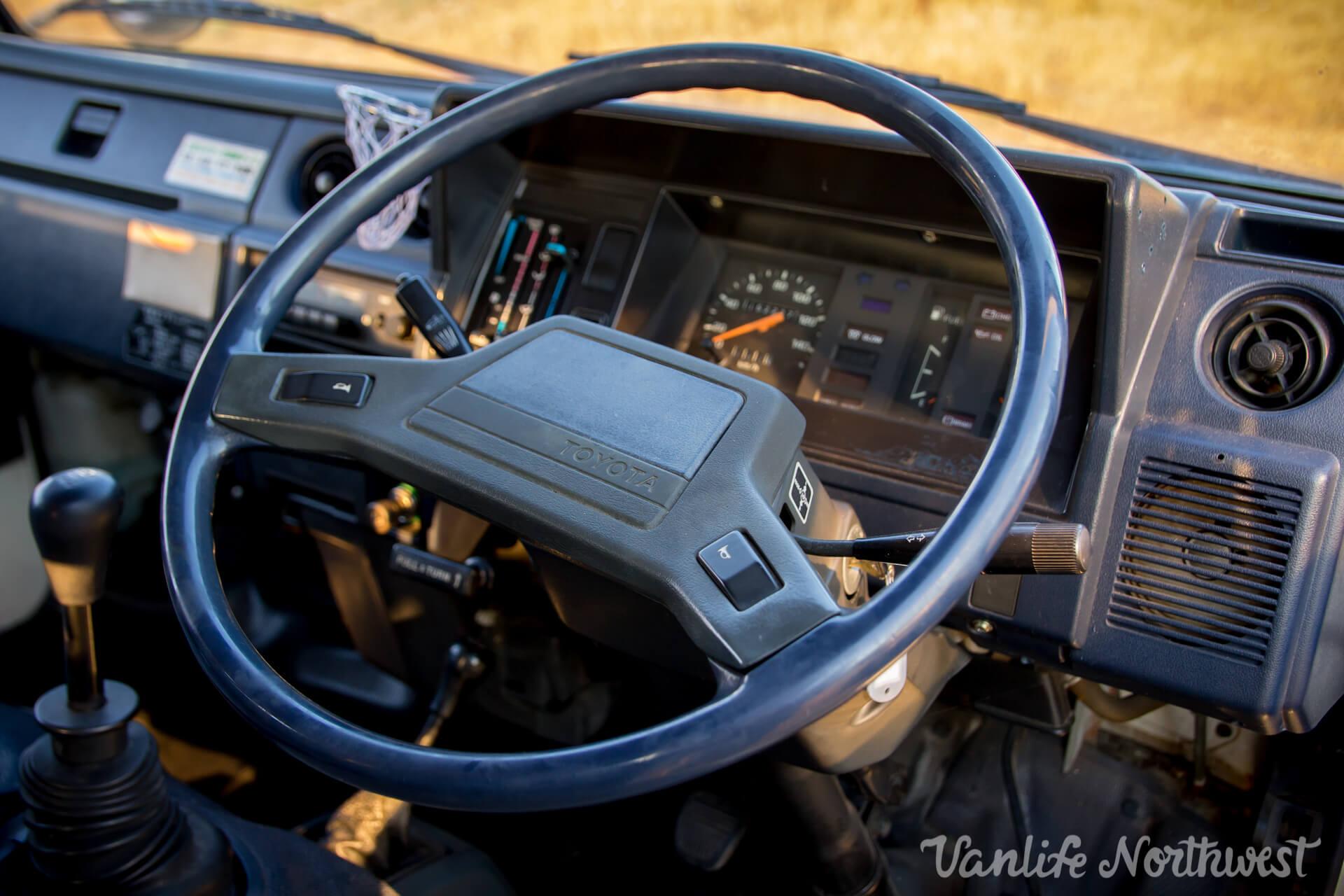 ToyotaHiaceLH85WhiteJosh-25.jpg