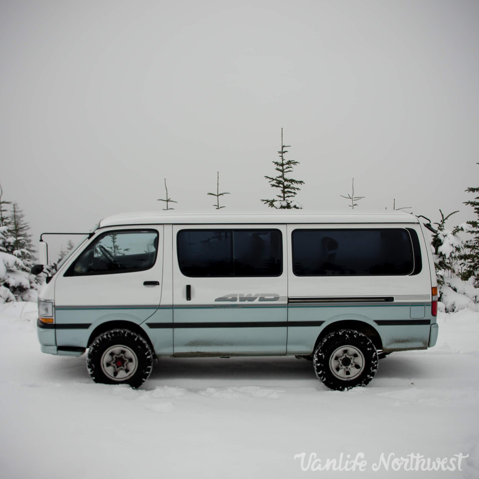 ToyotaHiaceLH119-JoeH-3.jpg