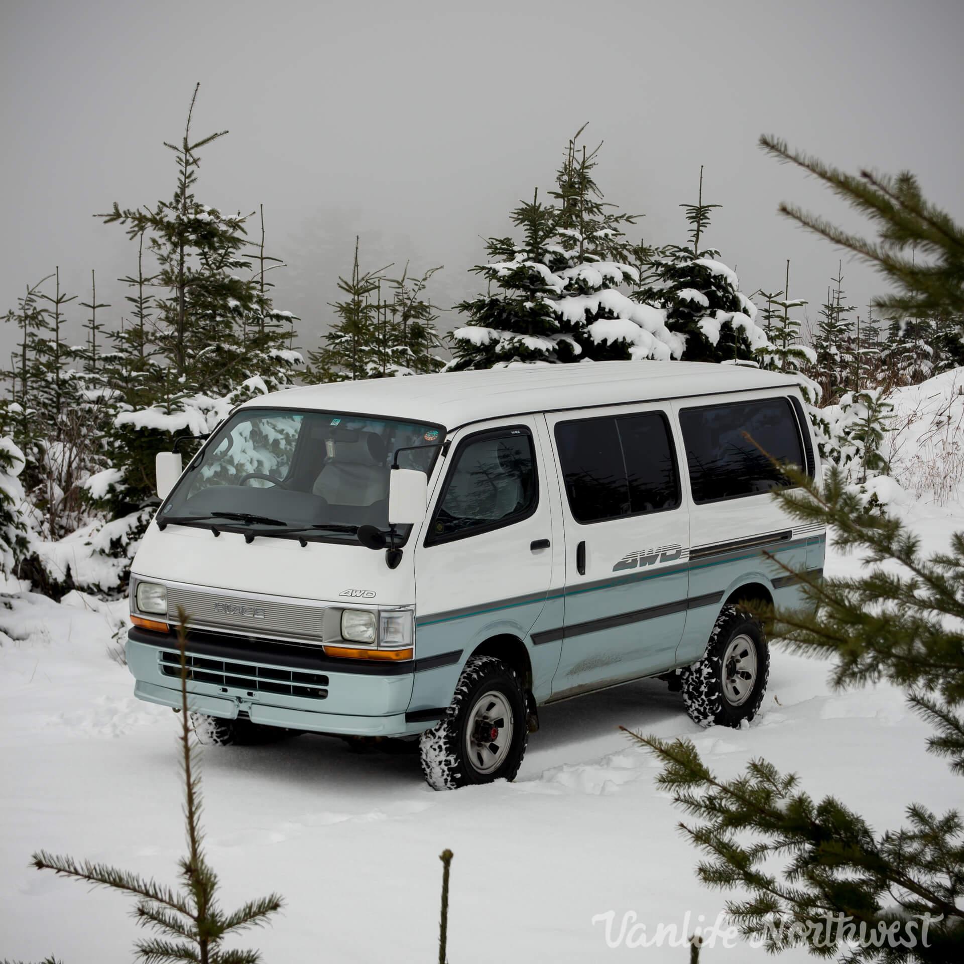 ToyotaHiaceLH119-JoeH-12.jpg