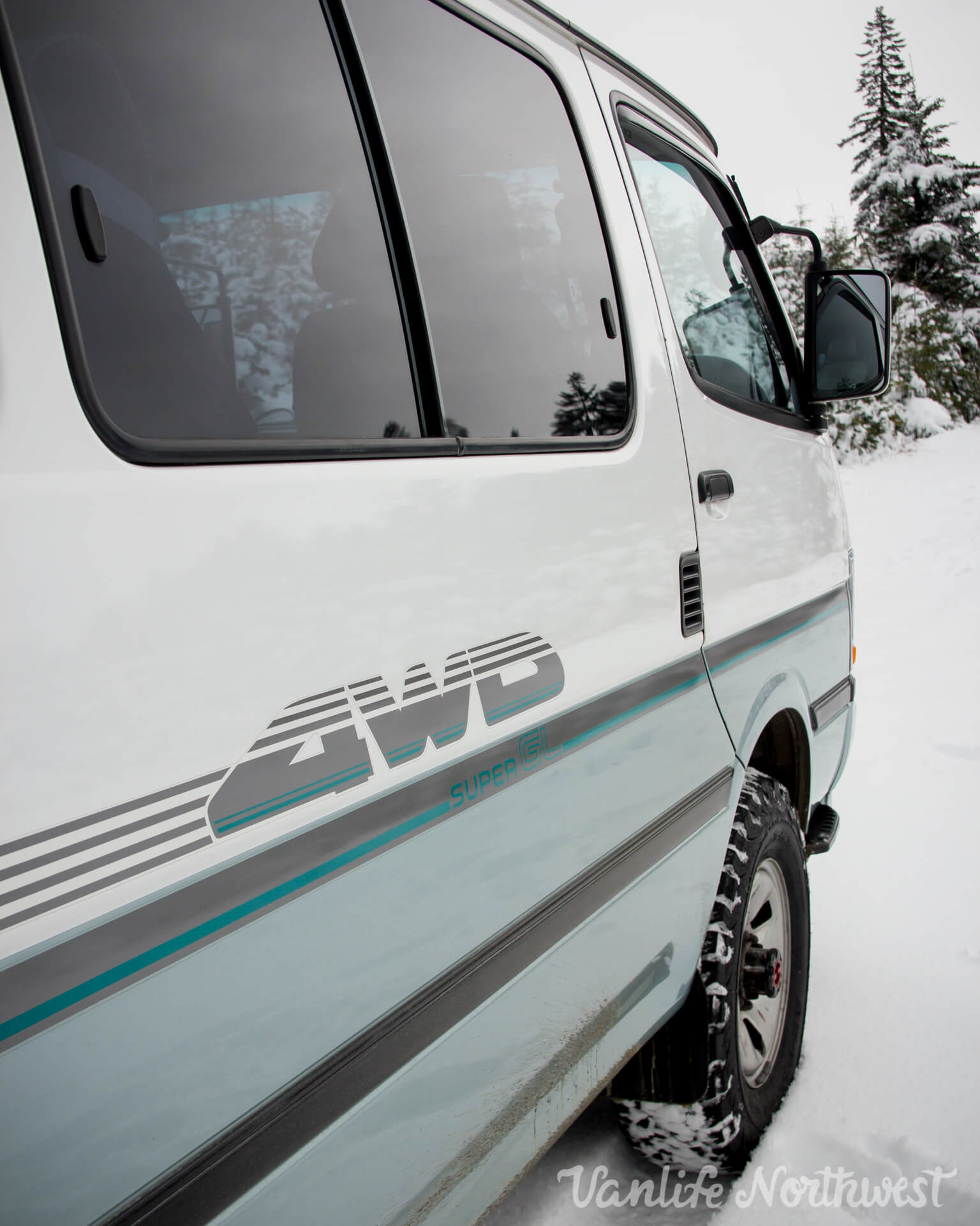 ToyotaHiaceLH119-JoeH-29.jpg