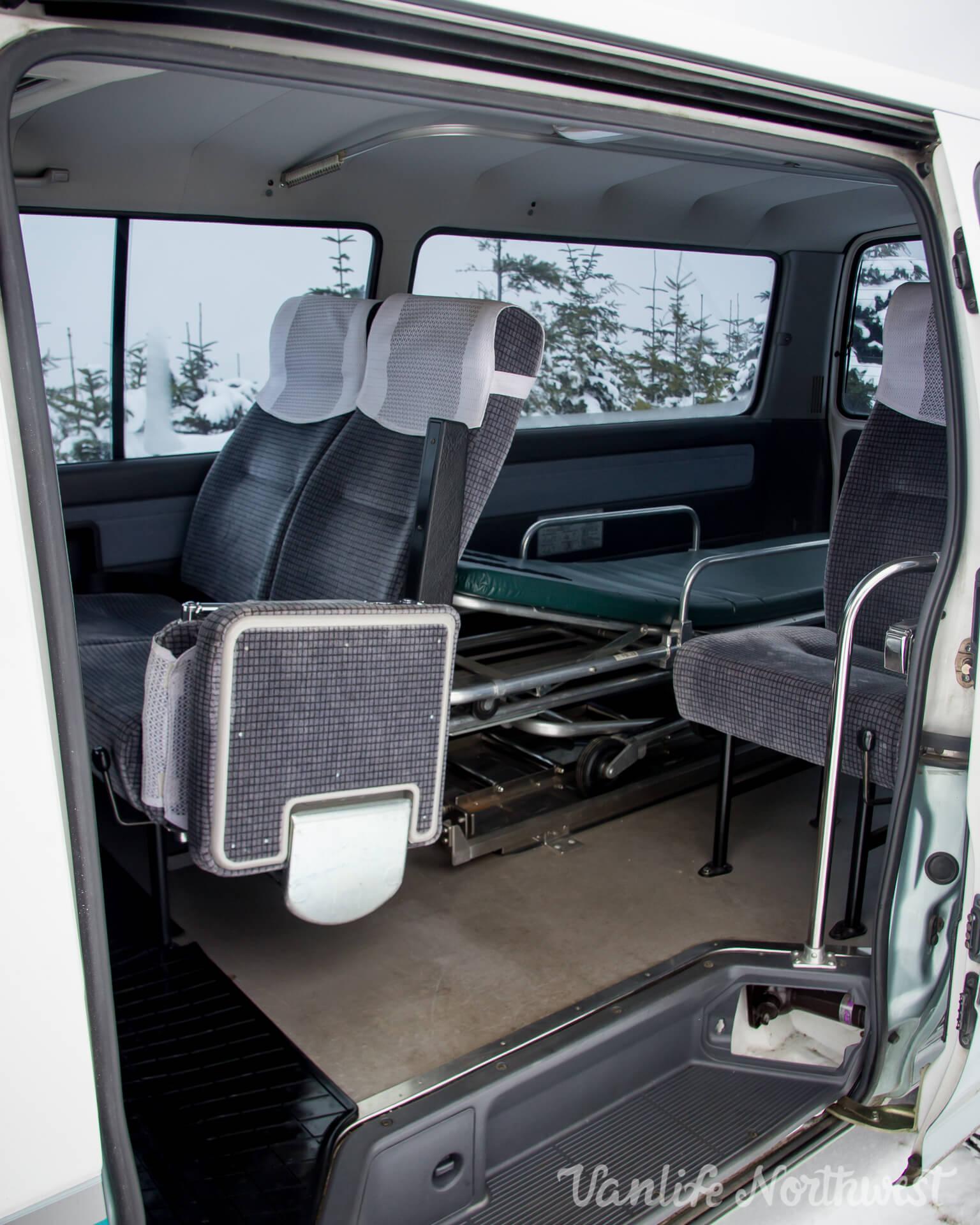 ToyotaHiaceLH119-JoeH-32.jpg
