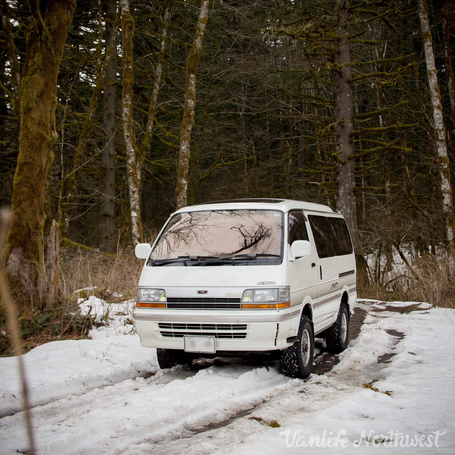 1992 TOYOTA HIACE SUPER CUSTOM LIMITED 4WD — Vanlife Northwest